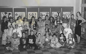 Hoover School 3rd Grade 1954.jpg1st row l to r  5th in Janet Kunz  6th Sue Willer 2nd row   2nd in Richard Bauer, 5th in Susan England 3rd row  9th in Drew Stohl