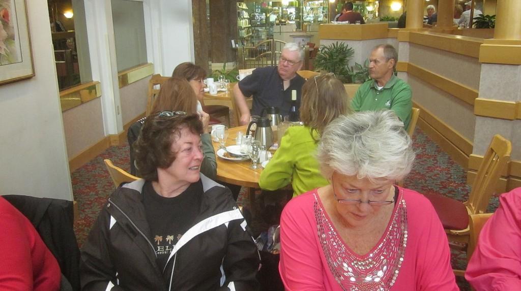 Background: Rosa & Rich Vereb,  Foreground: Kathleen O'Loughlin Woods, Elaine Holmes  IMG_0054.JPG