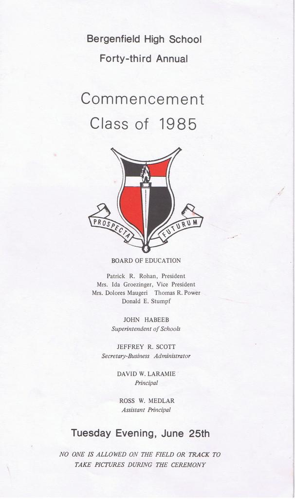 Commencement_1985_1.jpg